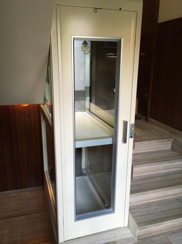 Mini ascensore domestico installato a calenzano in - Ascensore in casa ...