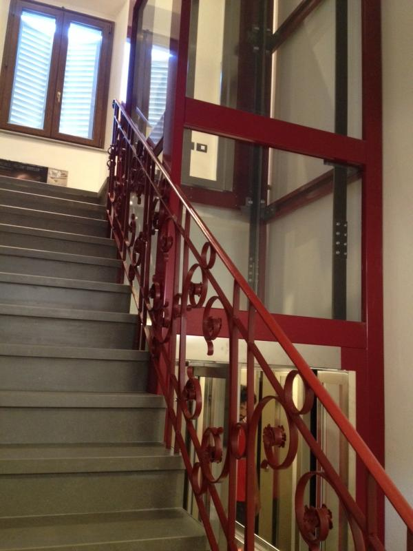 Ascensori domestici ascensori per case private for Case con ascensori