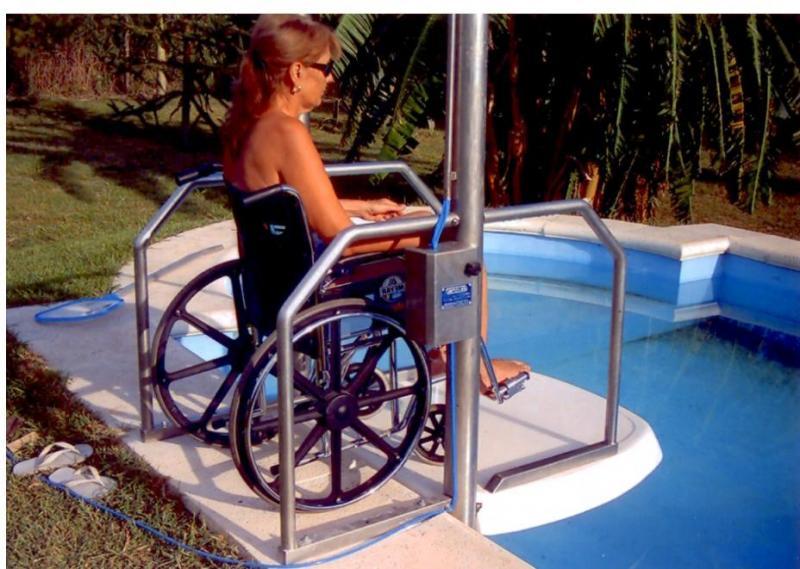 Vendita sollevatore per disabili da piscina Firenze e in tutta la Toscana.